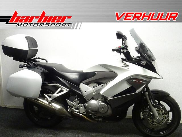 2011 Honda VFR 800 X Crossrunner motor te huur (1)
