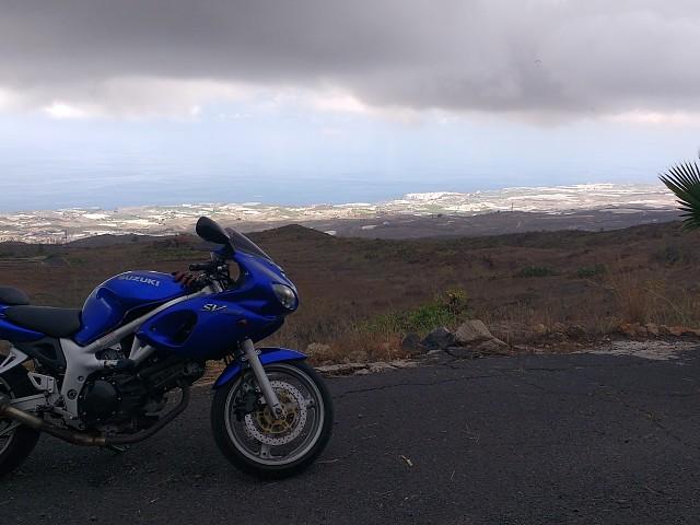 Suzuki SV 650 S moto en alquiler (2)