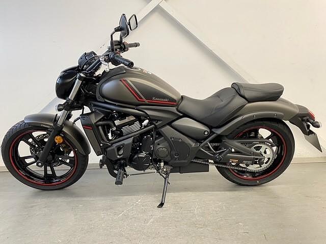 2021 Kawasaki Vulcan S motor te huur (2)