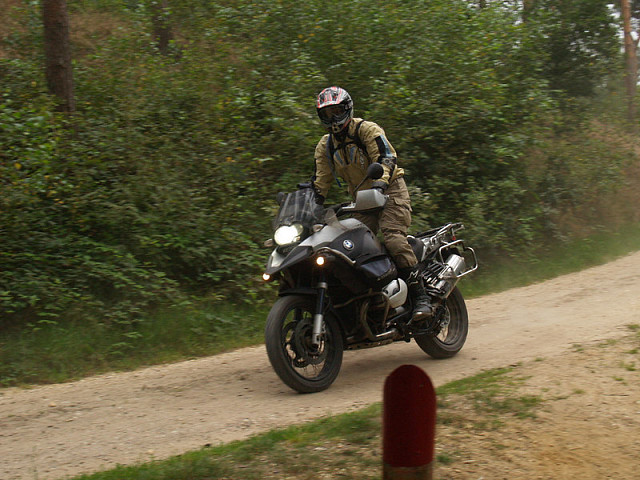 2009 BMW R 1200 GS Adventure moto en alquiler (2)