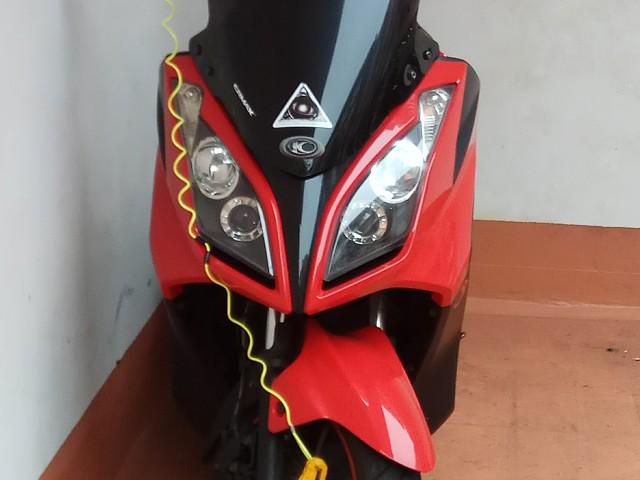 2009 KYMCO Super Dink moto en alquiler (2)