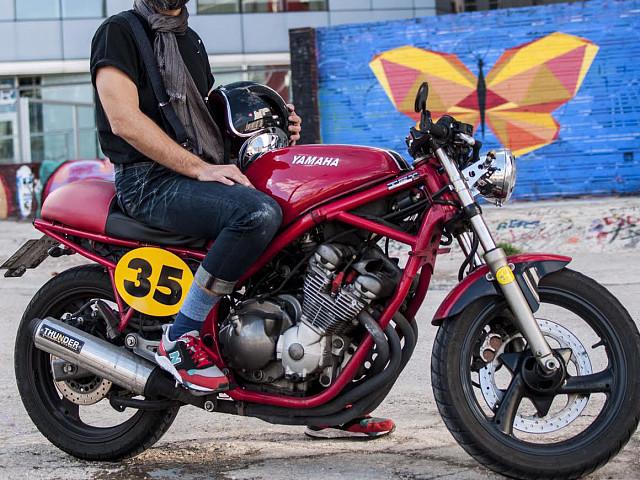 Yamaha XJ 600 moto en alquiler (2)