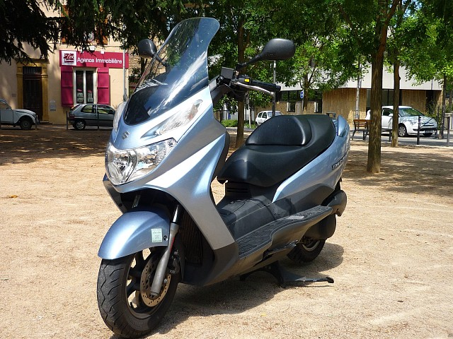 2003 SUZUKI Burgman 125 moto en alquiler (1)