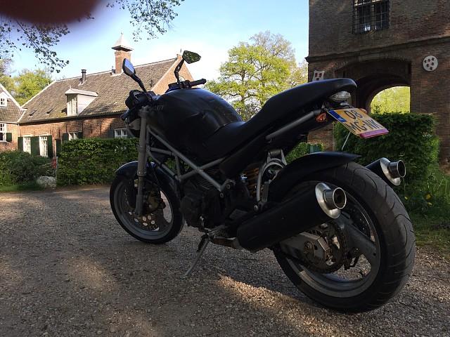 2000 Ducati Monster 600 motor te huur (1)