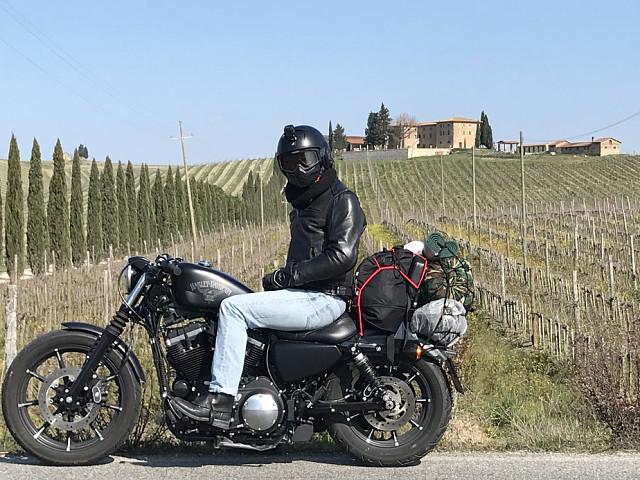 2017 HARLEY-DAVIDSON Iron 883 moto en alquiler (4)
