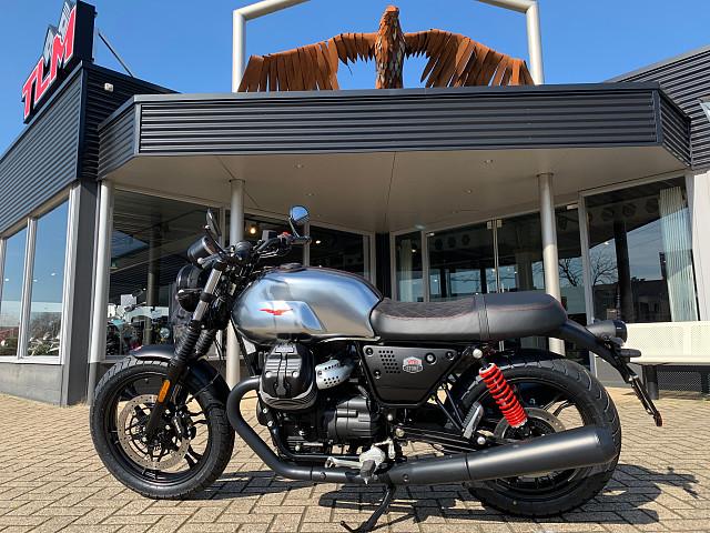 2020 Moto Guzzi V7 III Stone S motor te huur (1)