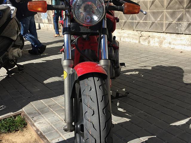 Yamaha XJ 600 moto en alquiler (3)